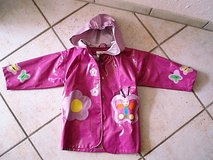 Purple butterfly rain coat size 5/6 in Stuttgart, GE