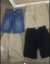 4 Old Navy shorts size 10 excellent condition in Houston, Texas