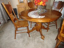 DINING ROOM TABLE AND CHAIRS in Alamogordo, New Mexico