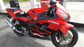 Cbr 600 f4i 2001 in Sacramento, California