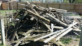 FREE fence wood in Clarksville, Tennessee