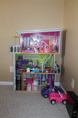 Huge Doll house in Camp Lejeune, North Carolina
