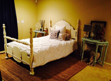 Gorgeous antique bed solid wood in Leesville, Louisiana
