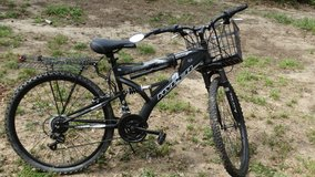 Mountain bike with extras. in Beaufort, South Carolina
