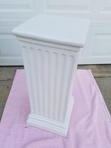 White / Roman Display Column Stand in Fort Campbell, Kentucky