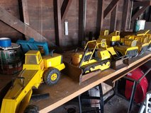 Metal tonka trucks in Oswego, Illinois