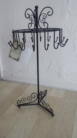 New!  Beautiful Jewelry Stand/Display in Glendale Heights, Illinois