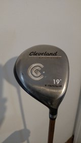 Cleveland Launcher - 5 Wood - RH - 19 Degree Loft - Senior/A Flex in Chicago, Illinois