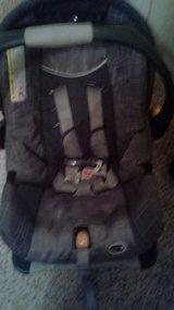 CHICCO KEYFIT 30 KIDS CAR SEAT in Fort Benning, Georgia