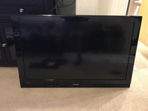 "2 Full HD TV's Toshiba 40"" and Avol 22"" in Travis AFB, California"