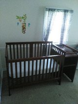3 in 1 crib in Batavia, Illinois