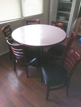 round table with 6 chairs( very sturdy) in Batavia, Illinois
