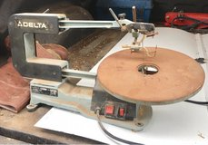Delta scroll saw in Morris, Illinois