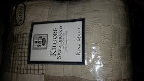 Brand New King Quilt with 2 Pillow Shams in Vacaville, California
