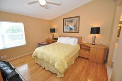 Queen size bedroom suite in Montgomery, Alabama