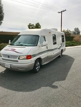 2004 Winnebago 22QD in Los Angeles, California