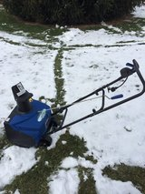 "LOOK  Snow Joe; SJ1620 Electric 18"" snowthrower with cover like new CLEAN in Naperville, Illinois"