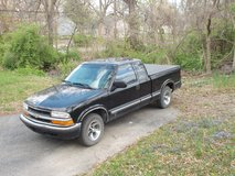 WOULD TRADE 2000 Chevy S-10 PICKUP LOW MILES in Kansas City, Missouri