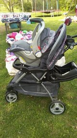 Baby trends carseat and stroller combo in Fort Campbell, Kentucky
