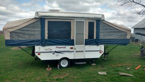 2006 Flagstaff popup camper in Ottawa, Illinois