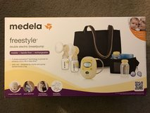 Breast Pump- Medela Freestyle in Travis AFB, California