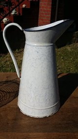 French large size Pitcher in Wiesbaden, GE
