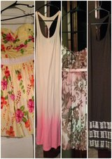 (4) size small women's dresses in Fort Polk, Louisiana