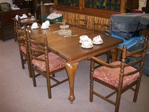 Edwardian oak table and chairs in Lakenheath, UK