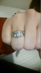 Wedding Set Size 7 (resizeable) in Fort Carson, Colorado