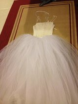 Wedding dress/ prom dress in Oswego, Illinois
