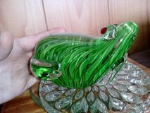 Beautiful Glass Paperweight of Heavy Green designed Frog Unknown Maker - Nice! in Camp Lejeune, North Carolina