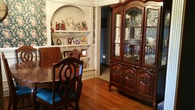 Cherry Queen Anne Dining Room Set in Ottawa, Illinois