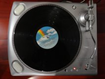 ION iTTUSB ENABLED BELT DRIVE TURNTABLE RECORD PLAYER in Travis AFB, California
