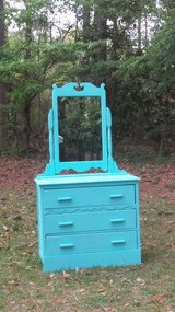 Rare Kearns dresser & mirror in Camp Lejeune, North Carolina