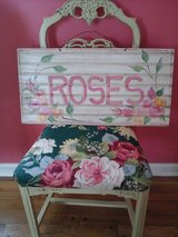Hand painted roses sign in Westmont, Illinois