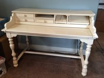 Desk - very nice - moving must sell in Kingwood, Texas