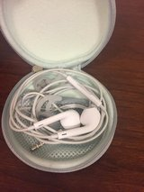Apple iPhone Headphones with bose travel case in Alamogordo, New Mexico