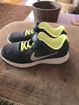 Nike youth size 2 shoes in Ottumwa, Iowa