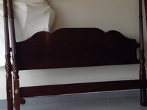 4 poster king bed mahagoney good condition in Chicago, Illinois