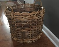 Decor basket (large) in Bartlett, Illinois