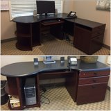 Expandable Desk in Glendale Heights, Illinois