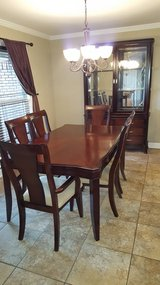 8 piece Dining room set in Fort Rucker, Alabama