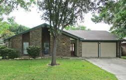 Wonderful one story home with an open floor plan and tile throughout! in San Antonio, Texas