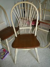 chairs to dining table in Glendale Heights, Illinois