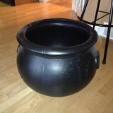 wanted:LARGE WITCH'S CAULDRON in Naperville, Illinois