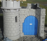 Little tikes castle playhouse with slide in Columbus, Ohio