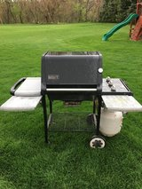 weber grill works with tank 3 burners lots of table space in Naperville, Illinois