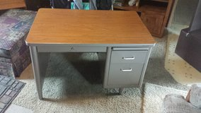 Nice Desk excellent for craft projects in Fort Riley, Kansas
