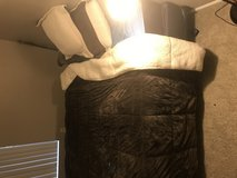 Queen size bed in Fort Carson, Colorado