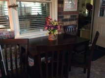Dining Table Set Like New in Fort Rucker, Alabama